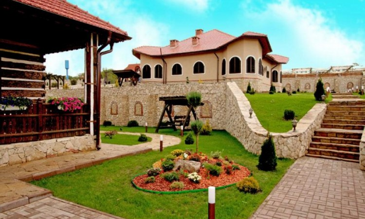 """Wine Tour to """"Chateau Vartely"""""""